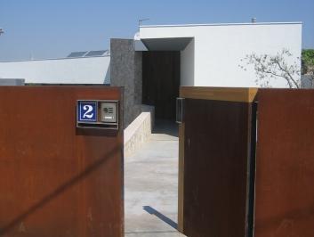 Façanes cases particulars